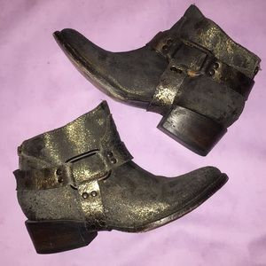 Cracked Metallic Leather Low Ankle Boots